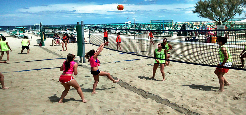 """ 3 campi beach volley e beach tennis """